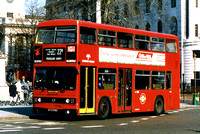 Route 22B, London Forest, T376, KYV376X, Trafalgar Square